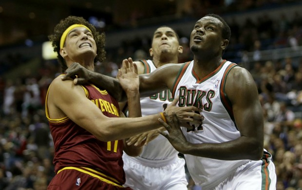 Anderson Varejão Cleveland Cavaliers x Milwaukee Bucks NBA (Foto: Getty Images)