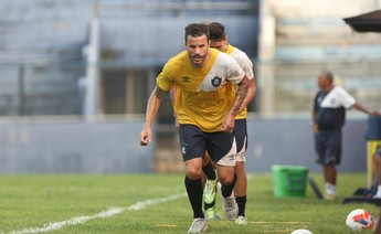 Jogador Michel durante o treino do Clube do Remo (Foto: Everaldo Nascimento/O Liberal)