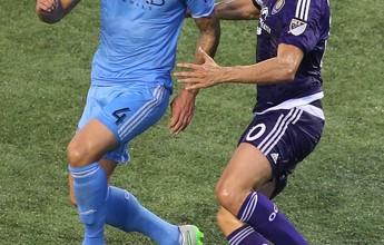 À frente de Pirlo e Drogba, Kaká é o  3º que mais vende camisas na MLS