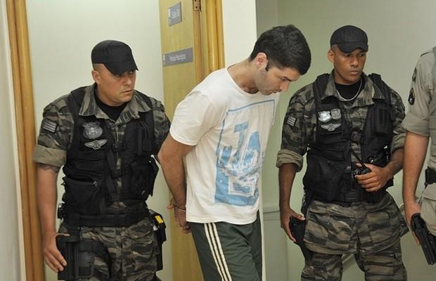 Vigilante Tiago da Rocha passou por avaliação psicológica na sexta-feira (6) (Foto: Aline Caetano/TJ-GO)