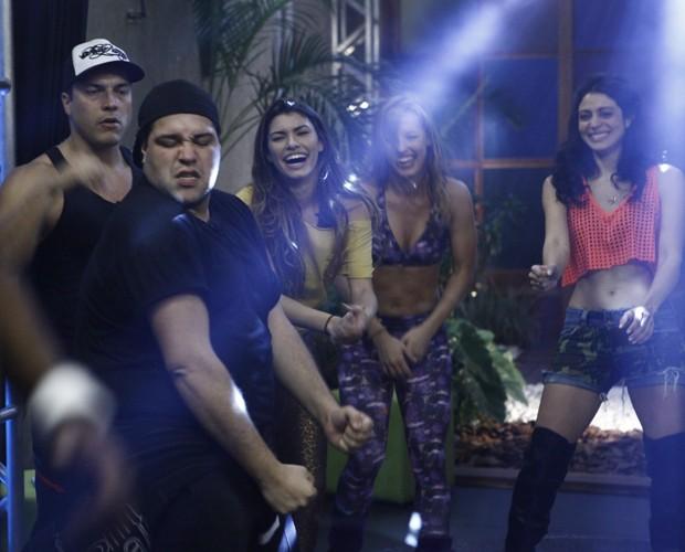 Com direito a luz especial e palco, o show bombou! (Foto: Domingão do Faustão / TV Globo)