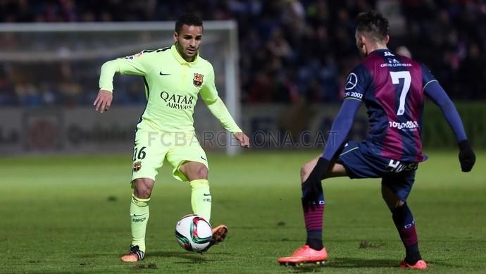 Douglas Barcelona Huesca (Foto: Divulgação/Site oficial do Barcelona)