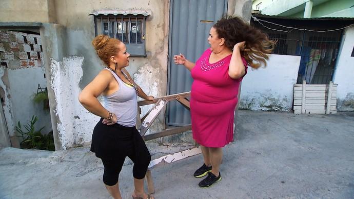 Marizete desabafa com a amiga Fabíola (Foto: TV Bahia)