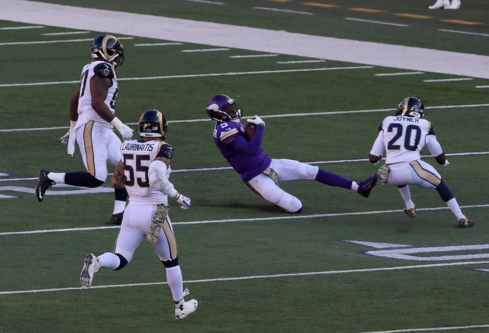 Teddy Bridgewater quarterback vikings nfl concussão slide (Foto: Getty Images)