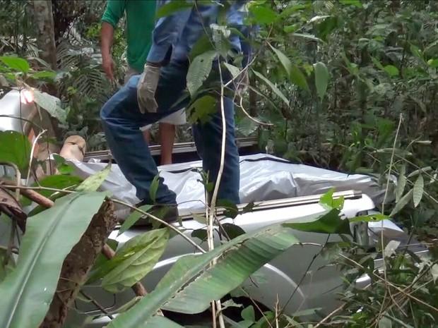 Corpos foram encontrados em sítio no interior do estado (Foto: Reprodução/Rede Amazônica)