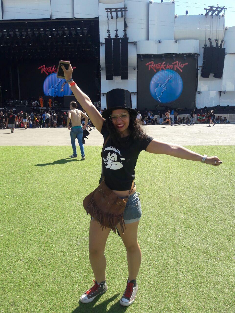 Leila escolheu a cartola de Slash pra fazer sua homenagem (Foto: Foto: Multishow)