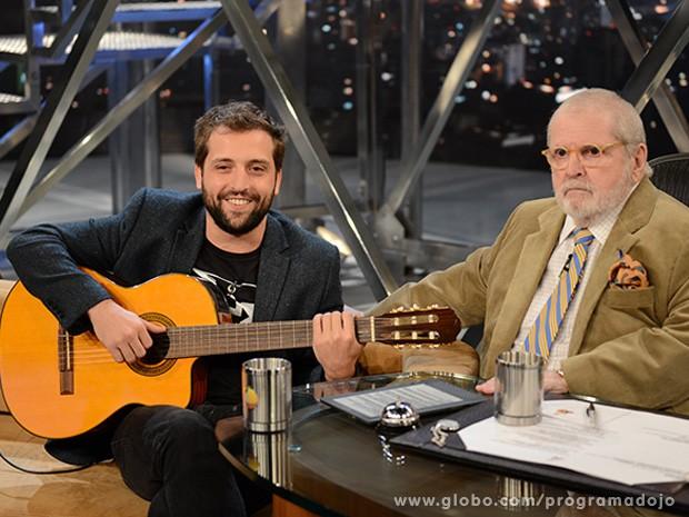 Comediante conta como conheceu a namorada Clarice Falcão (Foto: TV Globo/Programa do Jô)