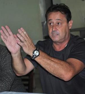 Carlos Espinoza assume comando técnico do Azulão (Foto: Pedro Afonso / Cedida)