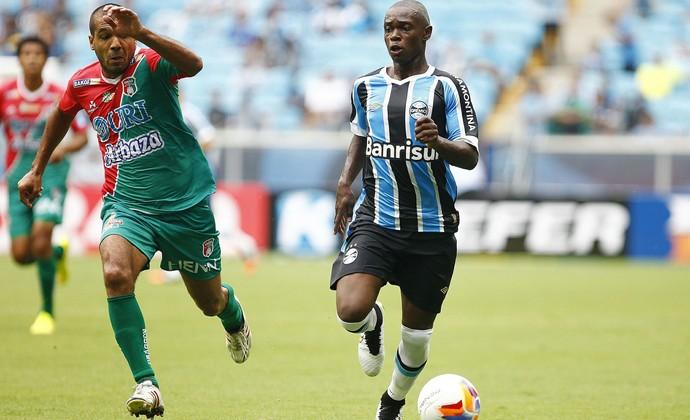 Lincoln agradou Felipão, mas técnico pede calma com garoto (Foto: Lucas Uebel/Grêmio)
