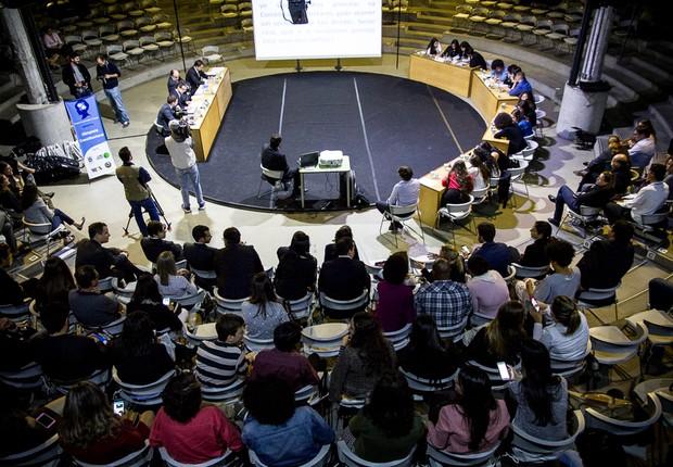 1º Olimpíada Constitucional de São Paulo foi realizada na PUC no dia 2 de maio (Foto: Divulgação Constituição nas Escolas)