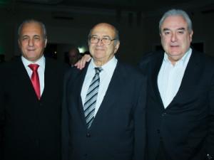 Fábio Braidatto ao lado de Elias Siufi, fundador da TV em Montes Claros, e Fernando Camargo, presidente da Rede Inter TV  (Foto: Camila Berto)