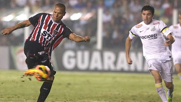Luis Fabiano jogo Santos contra São Paulo (Foto: Rubens Chiri / saopaulofc.net)