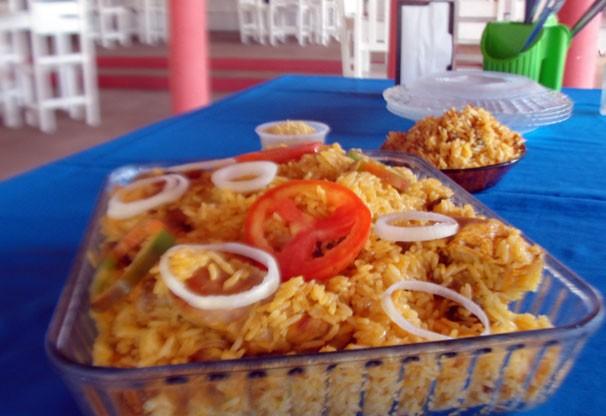 Quadro 'Receita' ensina o modo de preparo de um capote com arroz (Foto: Katylenin França)
