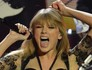 Taylor Swift canta no Brit Awards 2013 (Ben Stansall/AFP)