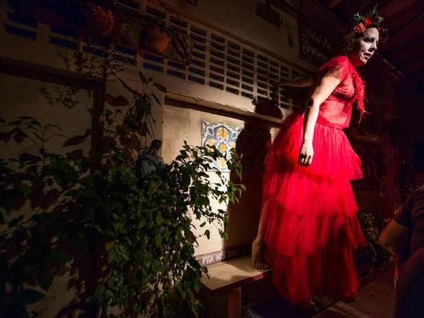 Espetáculo Vulcão é apresentado no Teatro Gregório de Matos (Foto: Marcelinho Hora/Divulgação)