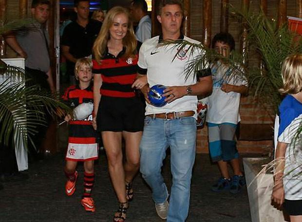 Benício foi vestido de jogador do Flamengo para sua festa de 7 anos (Foto: AgNews)
