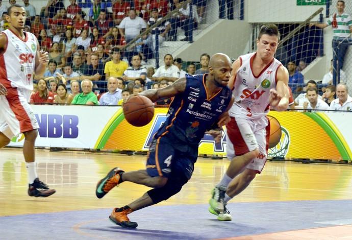 Basquete Cearense x Bauru Basquete, Larry Taylor, pelo NBB 6 (Foto: Caio Casagrande / Bauru Basket)