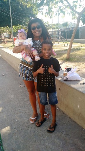 Tati Quebra Barraco com os netinhos Kauã e Pérola Vitória (Foto: Divulgação)