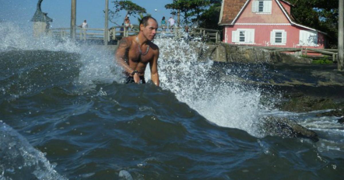 Curso capacita surfistas do litoral do Paraná para salvamentos ... - Globo.com