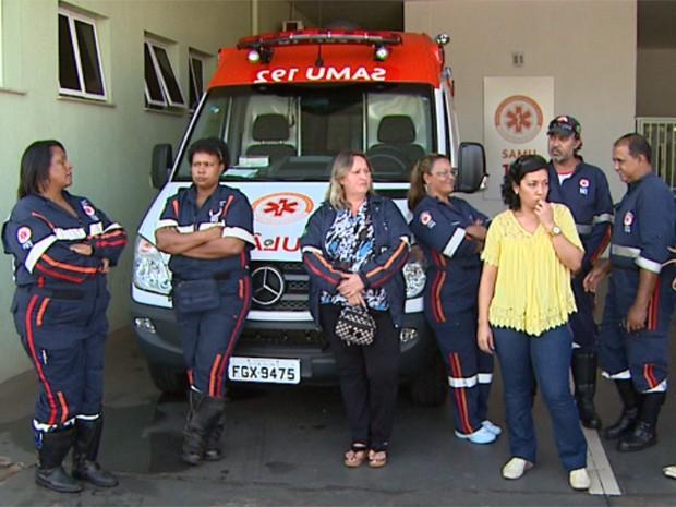 Funcionários cruzaram os braços na central do SAMU, localizada na UPA (Foto: Maurício Glauco/ EPTV)