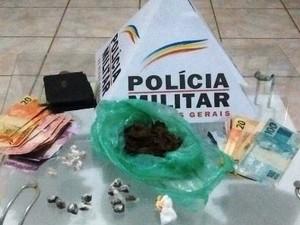 Drogas apreendidas em São Francisco (Foto: Polícia Militar/Divulgação)