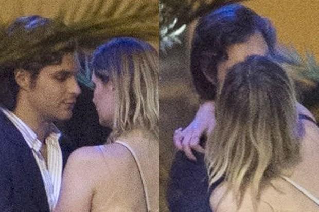 Mischa Barton beija rapaz misterioso (Foto: AKM-GSI)
