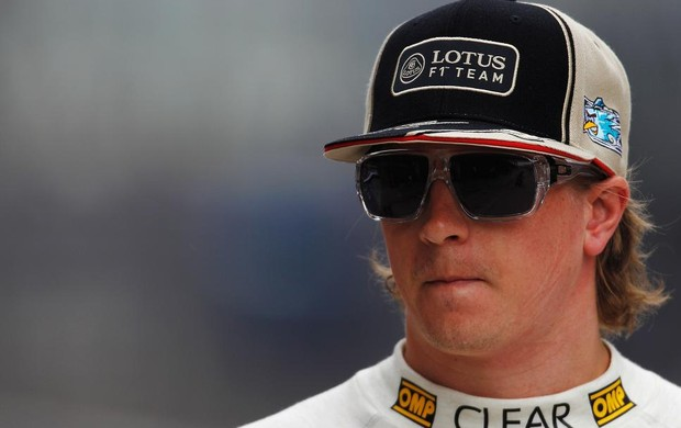 Kimi Raikkonen no paddock durante GP da China (Foto: Getty Images)