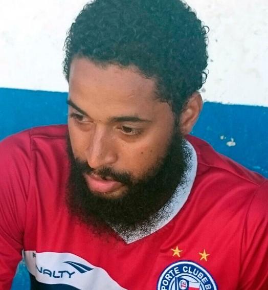 o barba (Eric Luis Carvalho)