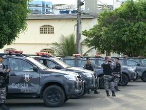 Equipes do Batalhão de Missões Especiais (BME) estão presentes no local. (Foto: Reprodução/TV Gazeta)