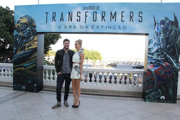 Jack Reynor e Nicola Peltz (Foto: Alex Palarea/AgNews)