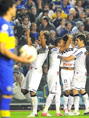 Romarinho marca no 1º toque e salva Corinthians contra o Boca (Marcos Ribolli / Globoesporte.com)