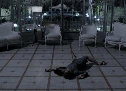 Na última cena, Angela morre assassinada por Severino