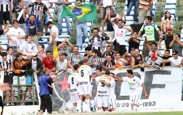 Botafogo-PB venceu o Treze por 4 a 3 em jogo emocionante no Estádio Amigão (Foto: Magnus Menezes / Jornal da Paraíba)