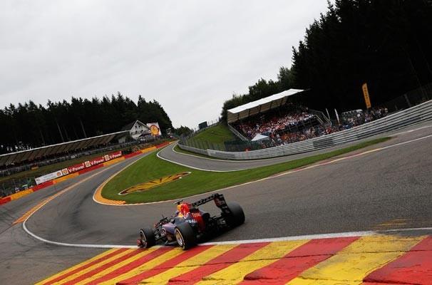 """Famosa curva """"Eau Rouge"""" é uma das grandes atrações do veloz circuito de Spa (Foto: Getty Images)"""