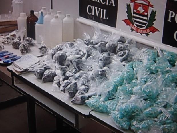 Foram apreendidas 20 mil porções de drogas (Foto: Reprodução/TV TEM)