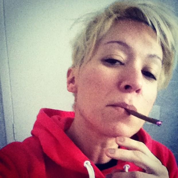 """Patrícia Marx - """"Gimme Pipe"""", escreveu a cantora na legenda  (Foto: Reprodução Instagram)"""