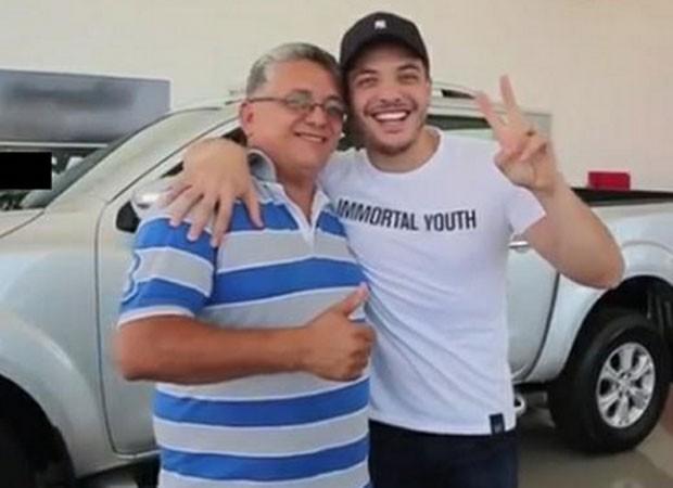 Wesley Safadão com o pai (Foto: Reprodução)