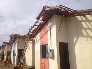 Maior parte das casas atingidas pertence ao Conjunto Habitacional Mestre Oscar Santos (Foto: Dyepeson Martis/G1)