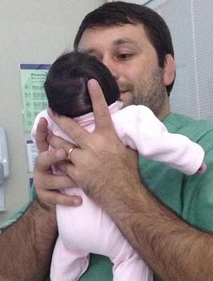 João Derly filha Isabela hospital judô (Foto: Reprodução/Facebook)