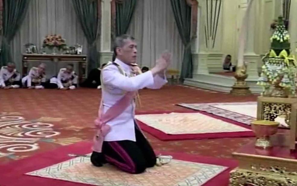 Maha Vajiralongkorn proclamado oficialmente rei