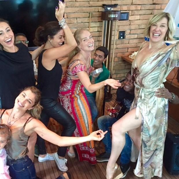 Sabrina Sato, Grazi Massafera, Juliana Paes, Angélica e Claudia Raia em festa no Rio (Foto: Instagram/ Reprodução)