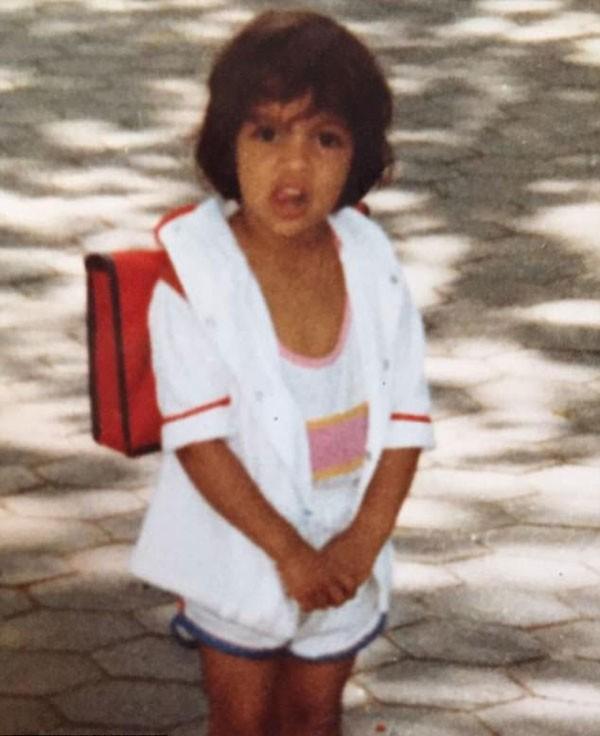 A atriz Rosario Dawson na infância (Foto: Reprodução/Instagram)