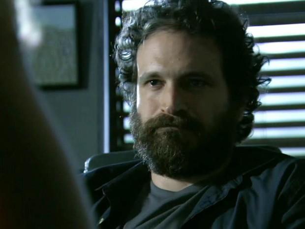 André se assusta ao encontrar a filha LC (Foto: Além do Horizonte/TV Globo)