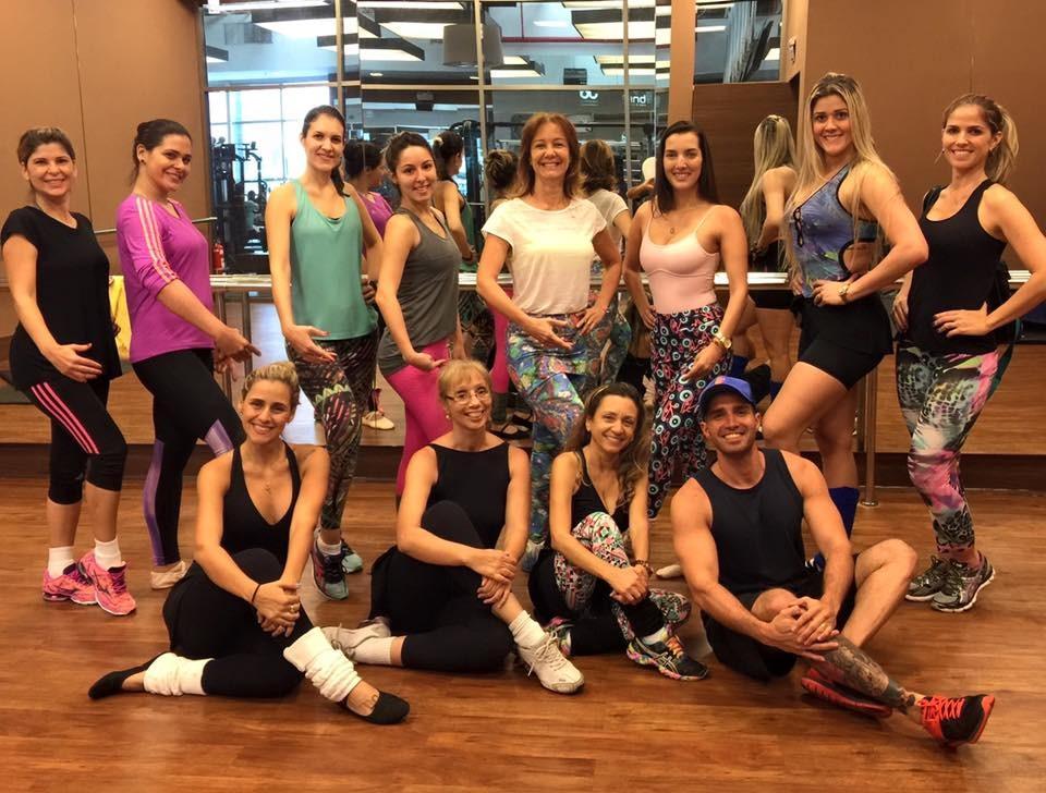 Sandra Freitas, Cesar Fernandes e a turma do ballet fitness (Foto: Divulgação/ TV Gazeta)