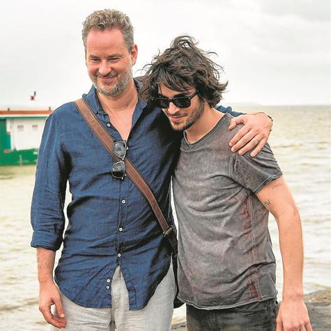 Dan Stulbach e Fiuk gravam 'A força do querer' (Foto: Estevam Avellar/Globo)