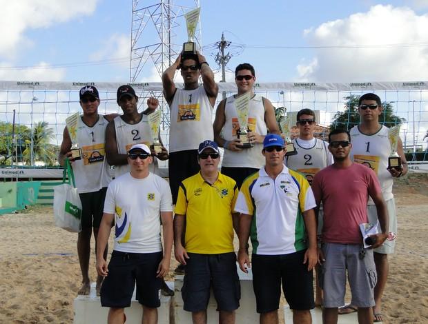 Melhores jogadores do ranking da FNV disputam torneio de vôlei de praia (Foto: Divulgação/FNV)