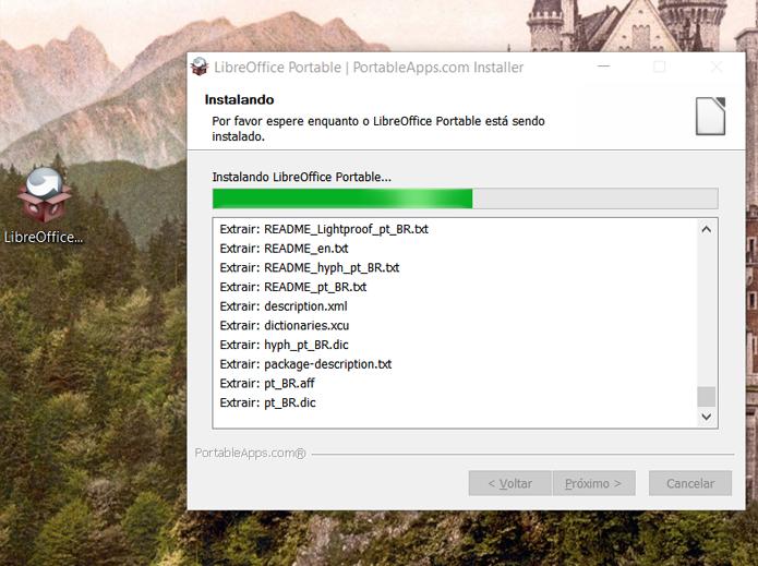A instalação pode demorar um pouco na unidade USB (Foto: Reprodução/Filipe Garrett)
