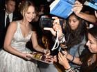 Jennifer Lawrence, Julianne Moore e mais famosos vão a première nos Estados Unidos