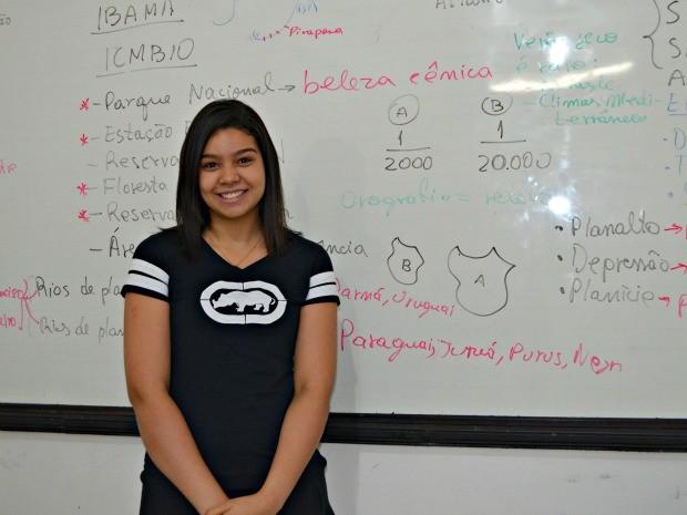 Kaimara Caetano, de 17 anos, diz que vai levar barra de cereais e água (Foto: Caio Fulgêncio/G1)