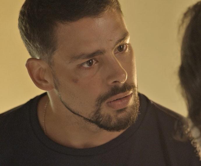 Juliano faz pedido para o pai (Foto: TV Globo)